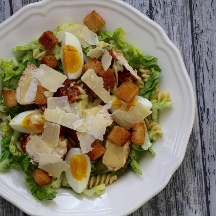 caesar-salade-met-pasta-en-kip