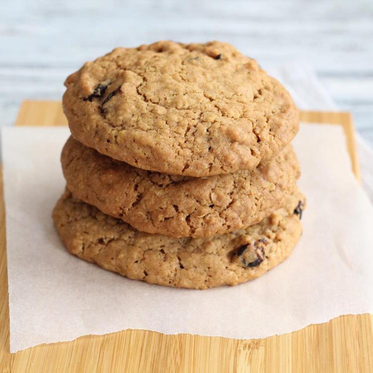 hummingbird-oatmeal-cookies